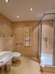 A bathroom at Sunotel Kreuzeck