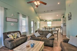 A seating area at Surfside Getaway with Deck - Walk to the Beach!