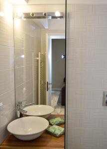A bathroom at Pensiunea Igloo