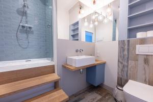 A bathroom at Bryza Sopot