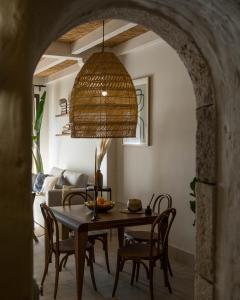 Un restaurante o sitio para comer en Casas de San Pedro