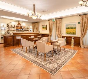 A restaurant or other place to eat at Hotel Casal Dell'Angelo