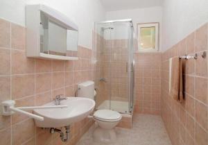 A bathroom at Apartments M&P