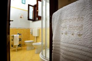 A bathroom at Gattopardo Park Hotel