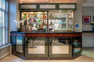 The lounge or bar area at Osborne Hotel