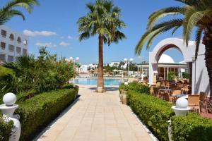 Het zwembad bij of vlak bij Hotel Zodiac