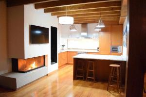 A kitchen or kitchenette at Vuelta Abajo Un lujo a tu alcance en Cartes