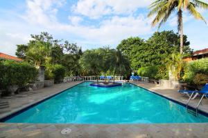 The swimming pool at or near Villa del Sueño