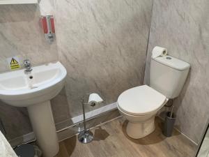 A bathroom at Rooms at the Inn