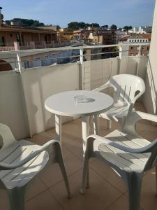 Een balkon of terras bij Apartments Lloret Sun