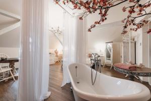 A bathroom at Resort Mlýn Černovice