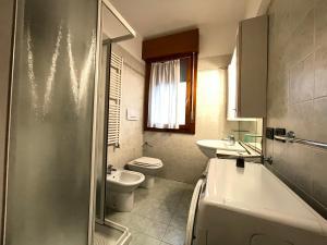 Bagno di RESIDENCE IPANEMA - WALTERIGATO Apartments SOLO PER FAMIGLIE