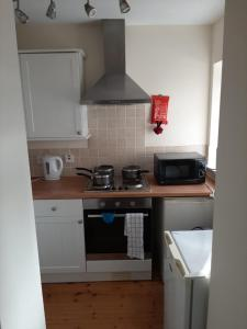 A kitchen or kitchenette at Boxley Road