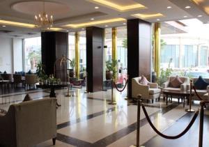 مطعم أو مكان آخر لتناول الطعام في Asaal Apart-Hotel