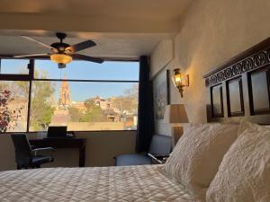 Cama o camas de una habitación en Hotel Casa San Miguel