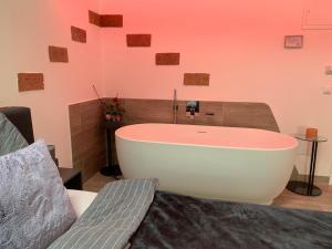 Ein Badezimmer in der Unterkunft Auszeit Vienna Wellness Apartment