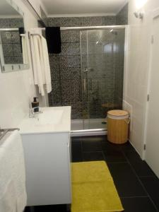 A bathroom at Casa do soito