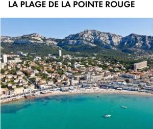 A bird's-eye view of Appartement 2 chambres pour 6personnes, meublé,60m2, en plein cœur de Marseille
