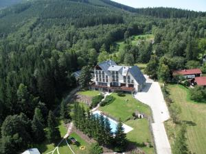 Letecký snímek ubytování Beltine Forest Hotel
