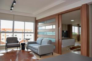 Uma área de estar em M Tower Hotel