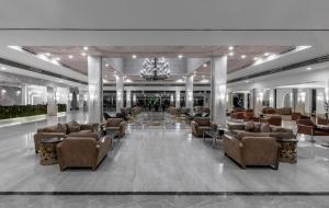De lobby of receptie bij Dana Beach Resort - Families and couples only