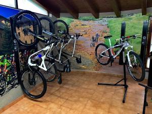 Biking at or in the surroundings of Hotel Lacreu