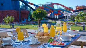 Завтрак для гостей Aqua Blu Sharm El Sheikh - Families and couples only