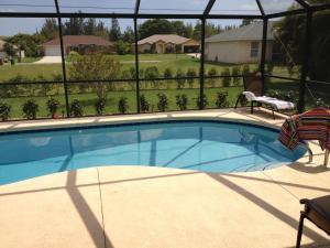 Der Swimmingpool an oder in der Nähe von Villa Andromeda
