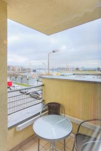 A balcony or terrace at Apartamenty Świnoujście - Apartament Nad Kanalem