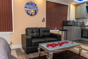 A seating area at Sawrey Serviced Apartments