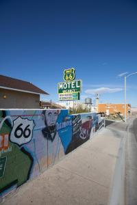 The swimming pool at or near Route 66 Motel