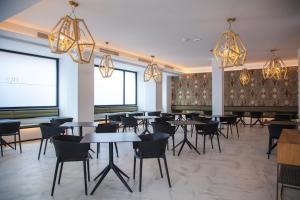 A restaurant or other place to eat at Stic Urban Hotel & SPA
