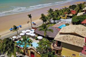 A view of the pool at Manary Praia Hotel or nearby