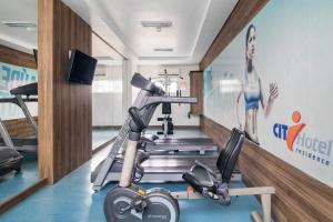 The fitness center and/or fitness facilities at Citi Hotel Residence Caruaru