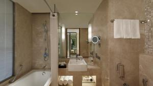A bathroom at Holiday Inn Jaipur City Centre, an IHG Hotel