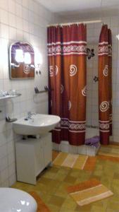 Ein Badezimmer in der Unterkunft Holiday home Sassnitz/Insel Rügen 2990