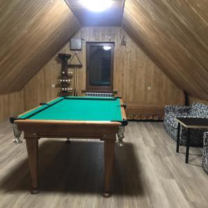 Бильярд в Udacha Guesthouse
