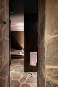 A bathroom at Mud Residence