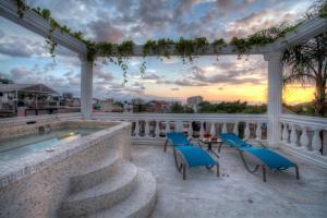 The swimming pool at or near Hotel Boutique Rivera Del Rio