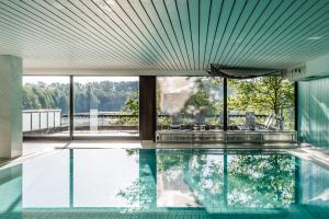 The swimming pool at or close to Best Western Premier Seehotel Krautkrämer