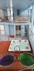 Бассейн в Пансионат Петрово-Дальнее или поблизости