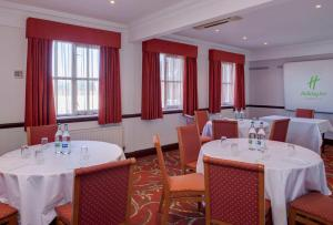 A restaurant or other place to eat at Holiday Inn Ipswich Orwell, an IHG Hotel