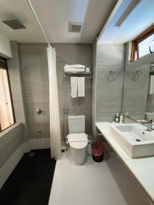 A bathroom at Canopus Retreat Thulusdhoo
