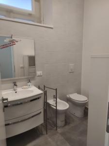 A bathroom at La Gassa D'amante