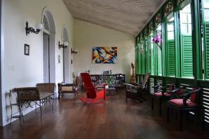 Um restaurante ou outro lugar para comer em Casa Frankie