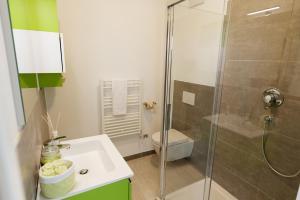 A bathroom at Piani di Clodia Holidaypark