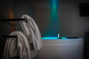 A bathroom at 57 Reshotel Orio