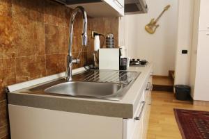 A cozinha ou cozinha compacta de Tortona52