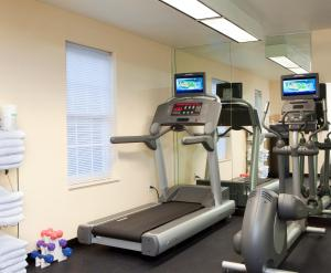 The fitness center and/or fitness facilities at Extended Stay America Suites - Atlanta - Norcross