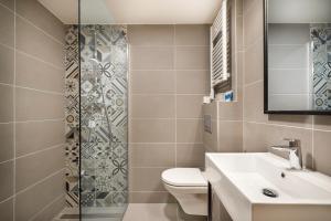A bathroom at Hotel Mediteran - Liburnia